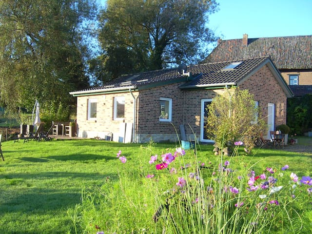 """Freistehendes Ferienhaus """"Maison Marguerite"""" - Lemiers - Rumah"""