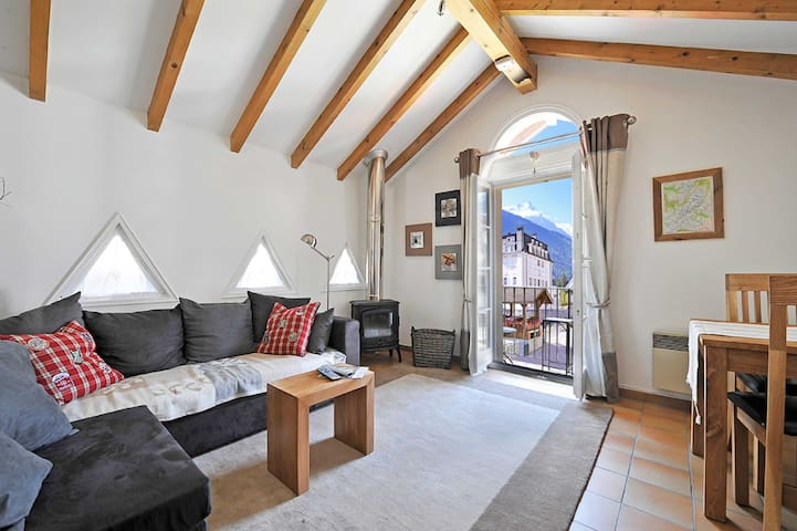 Stay at Les Moulins apartment with 4.8/5* hosts