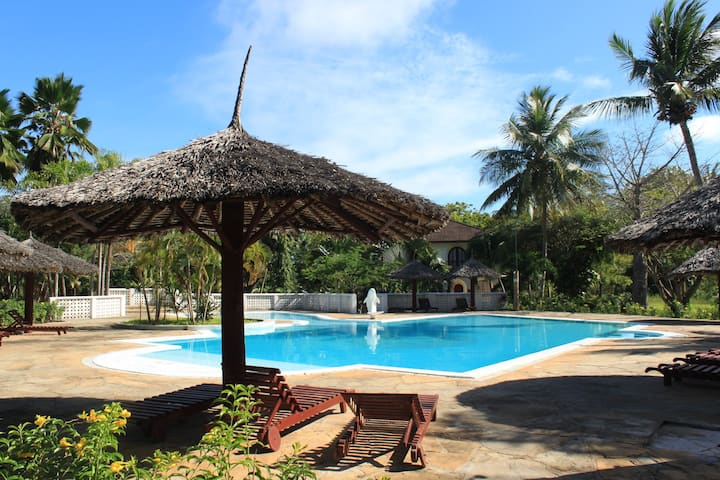 Discover Diani Beach in Kenya Authentically