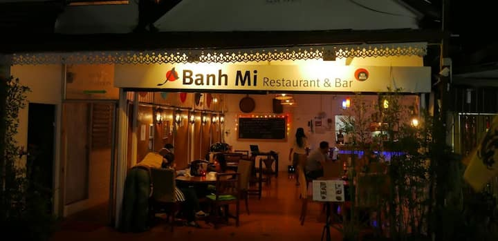 Banh Mi Guesthouse Aircon Room