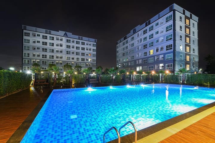 Luxurious condo at a reasonable price. Bowin