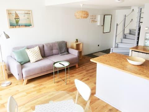 Acogedor apartamento de 1 dormitorio, centro de la ciudad, lugar de estacionamiento.