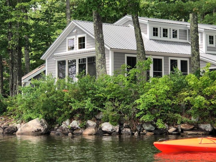 Lakeside Maine Cottage in Belgrade, Maine