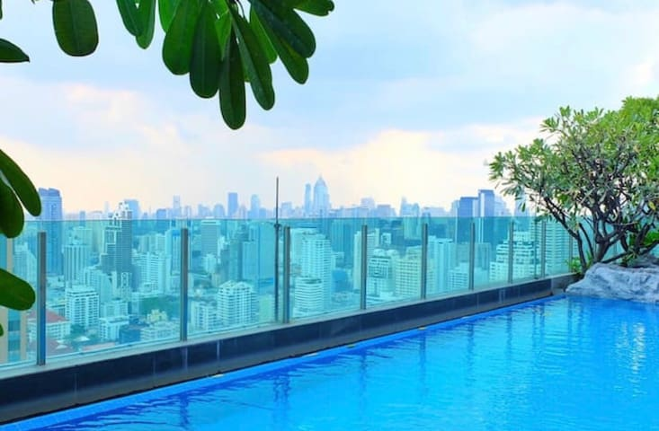 Jacuzzi, Amazing Pool and Gym on 44th floor! - Bangkok - Condominium