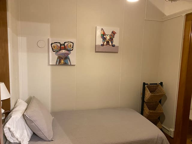 This bedroom is off of the Master Bedroom.  The single bed can be used for a kiddo or the 'big' kid in your group.  We are all young at heart so this room is cozy and stocked with some toys, books, and playpen if needed.