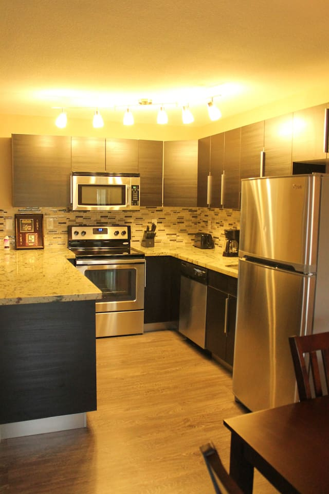 Beautifully designed and upgraded kitchen and appliances