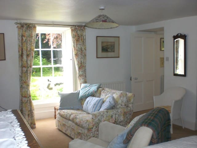 Homely bed sit room in Wensleydale