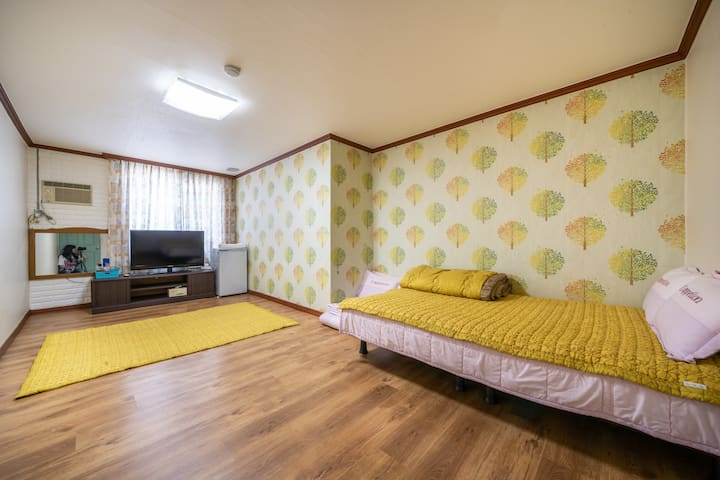 DaeChung resortel (bedroom for 4 person)