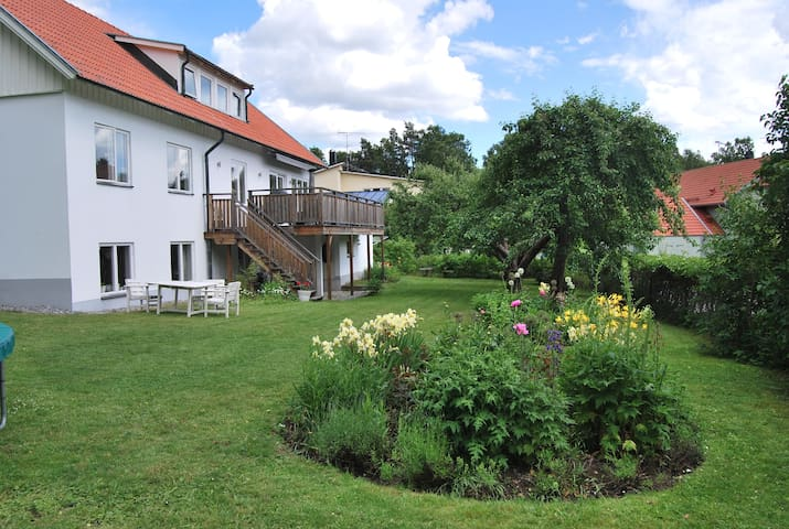 Large house close to Stockholm city - Danderyd