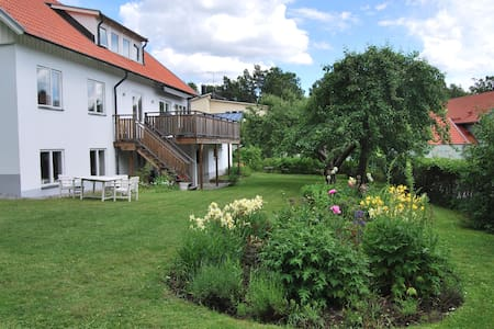 Large house close to Stockholm City - Danderyd - Huvila