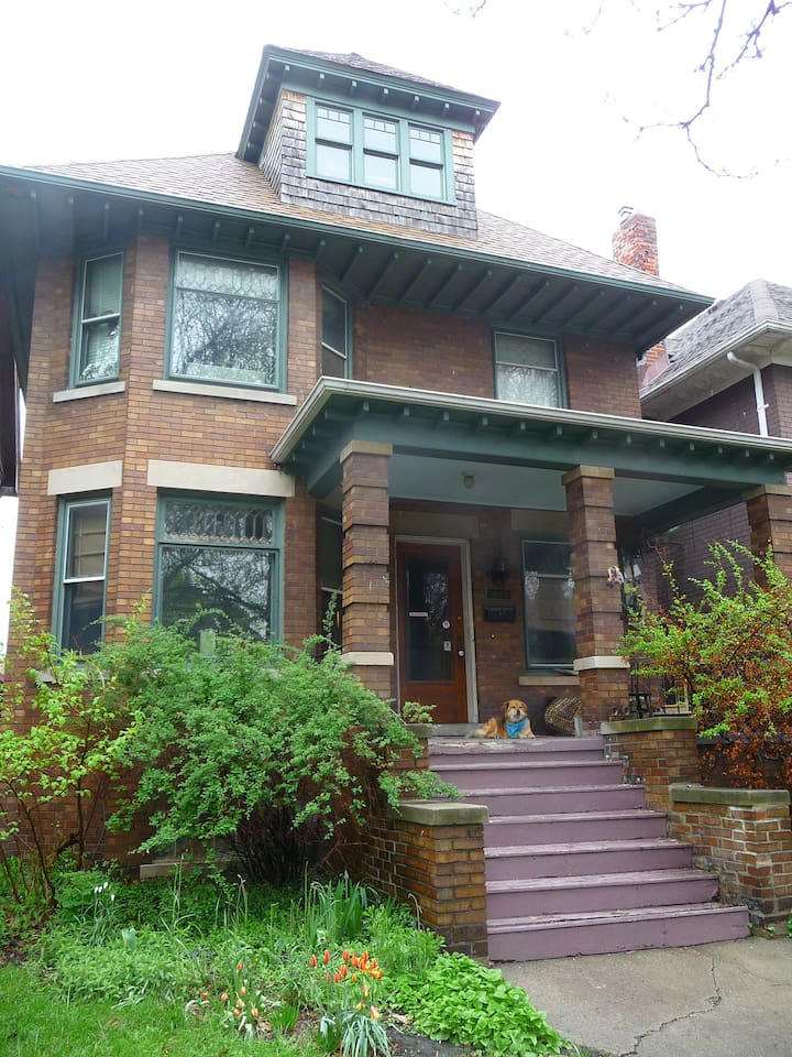 1909 Four-Square located in the Woodbridge historic Neighborhood of Mid-town Detroit.