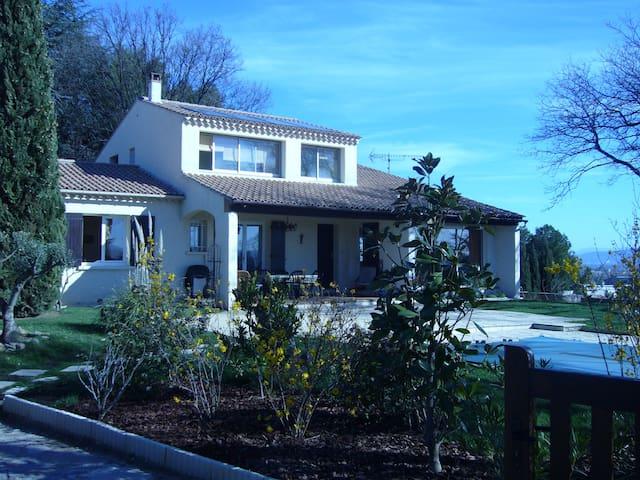 villa les 3 chênes  - Pont-Saint-Esprit - Haus
