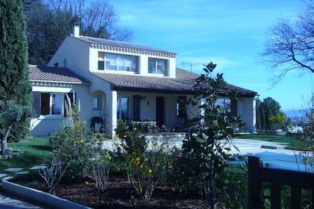 villa les 3 chênes  - Pont-Saint-Esprit - House