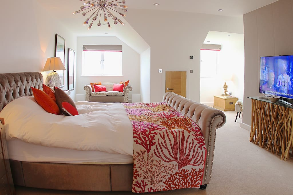 Three large sumptuously furnished double rooms with ensuite bathrooms and Osbourne & Little furnishings