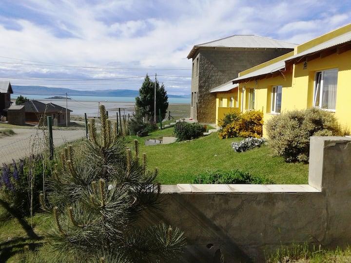 Casa El Calafate con Vista al Lago 4