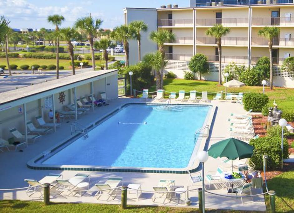 Enjoy our wonderful, classic pool - Enjoy our wonderful, classic pool at Captain's Quarters in St. Augustine, Florida.