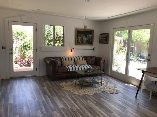 Sweet Escape in Ojai (Meiners Oaks)