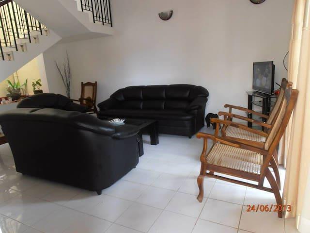Holiday House Sri Lanka (ForeignTourists only) - Colombo