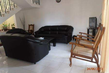 Holiday House Sri Lanka - Colombo