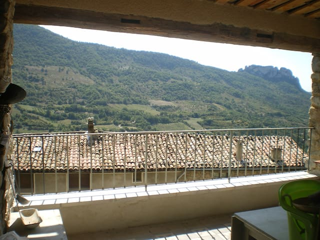 Village house with splendid view - La Roche-sur-le-Buis - Σπίτι