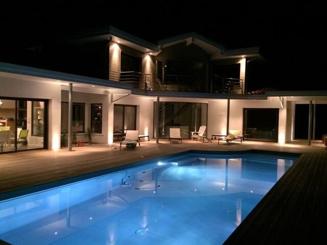 Villa Hossegor - piscine chauffée - Hossegor - 別荘