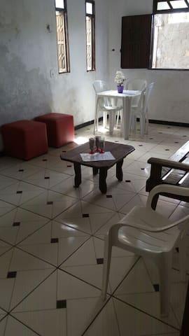 Casa Mobilhada com garagem