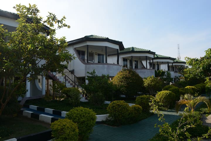 Twins Park Hotel