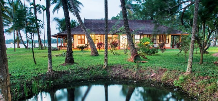 Gramam Homestay - Cottage by the backwaters