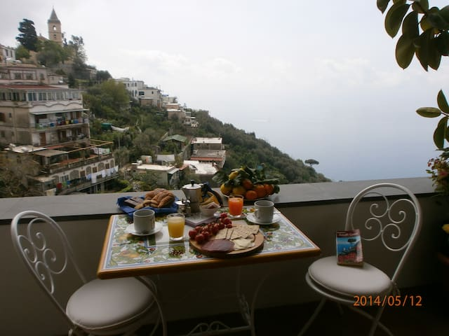 Nice house on the hill of Positano  - Positano - Huis