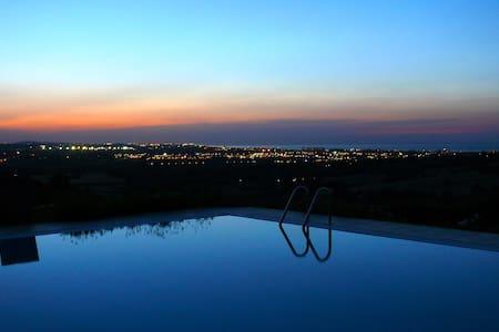 Villa con piscina a Gradara - Gradara - 別荘