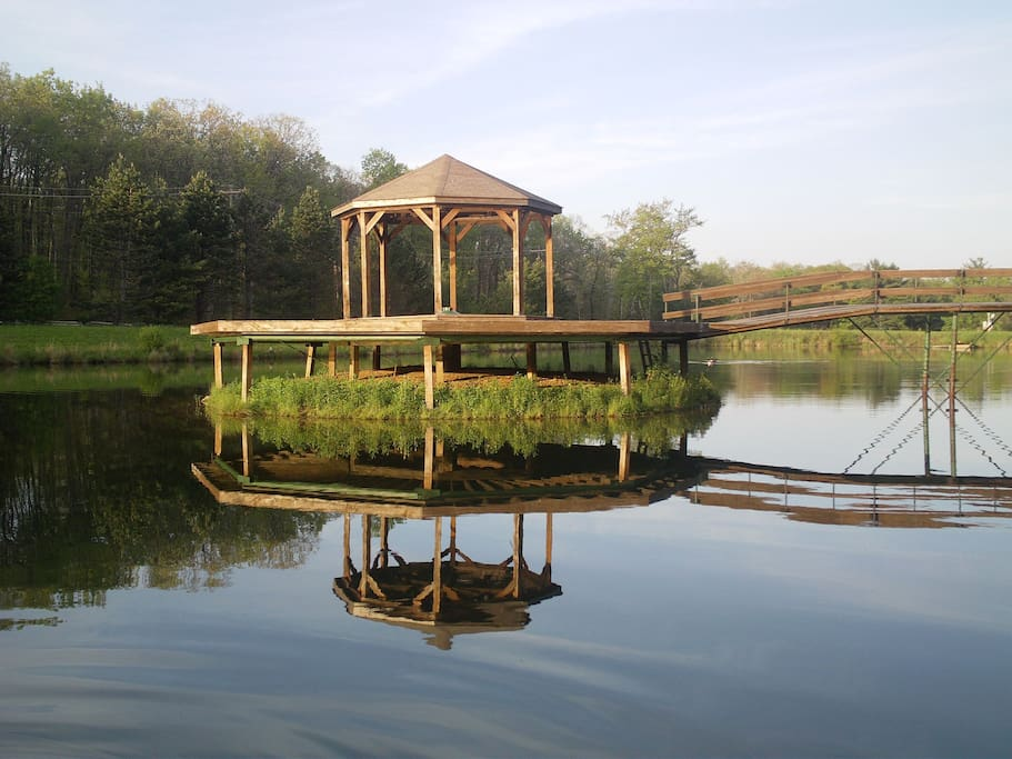 Gazebo in the pond. Swim out to it, or use our canoe to paddle around the pond.