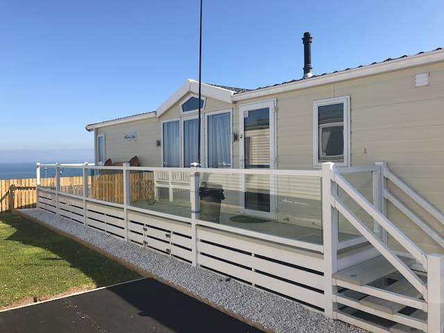 Willerby Meridian Lodge - AB90 - Craig Tara DCH