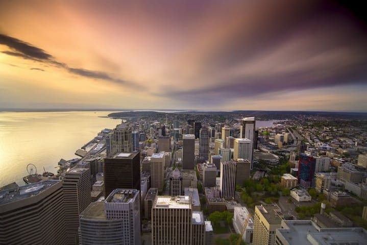 HEART OF SEATTLE - 1 MIN WALK FROM PIKE PLACE