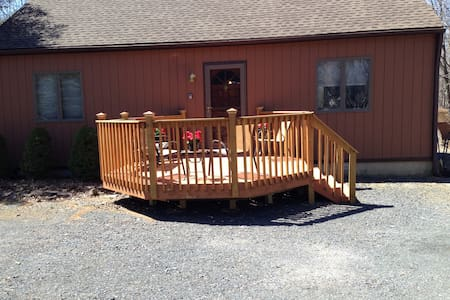 C's  Hideaway (Sleeps Maximum 8) - Albrightsville - Casa