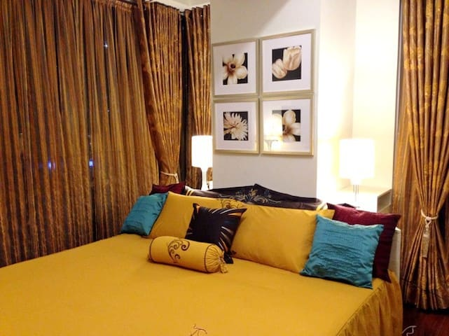 Classy Contemporary 1BR Suite, Fort - Taguig - Apartment