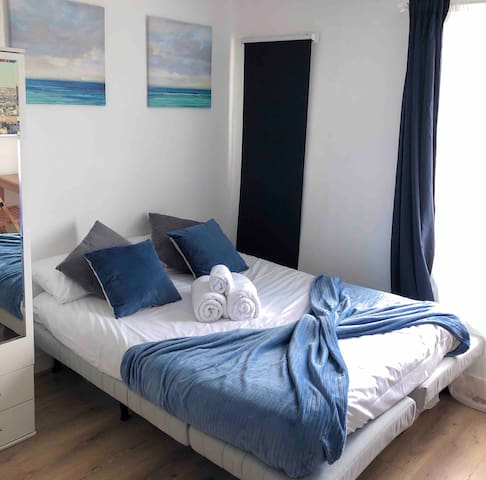 Large Studio Next to Earls Court