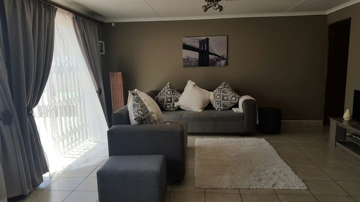 Cosy cottage close to Gold Reef City Johannesburg