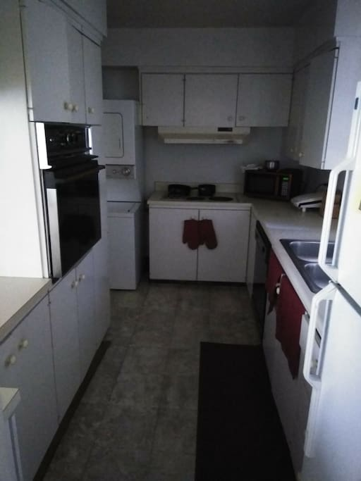 Kitchen. Dish washer washer & dryer.