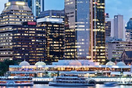 Brisbane's Little Manhattan  - Kangaroo Point