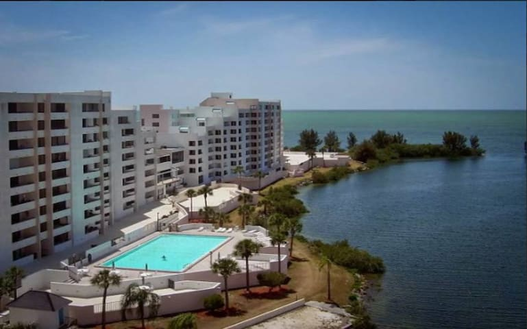 Scenic Gulf & shoreline views w/resort amenities
