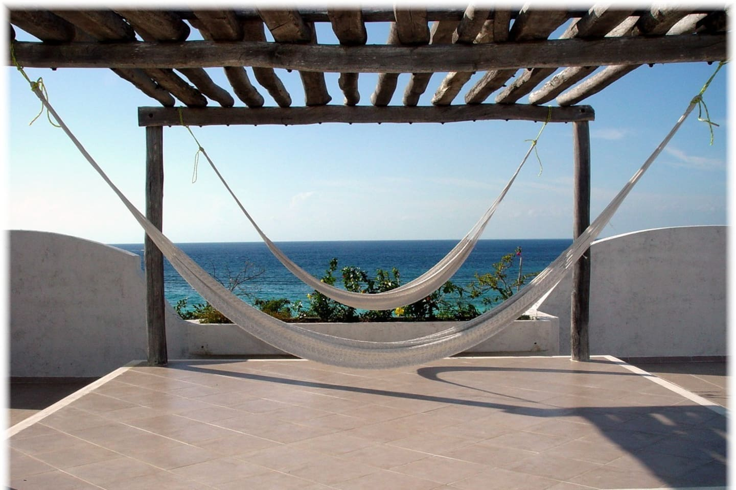 The roof is a fantastic place to lounge, watch sunsets, sunbathe, or count the stars at night.