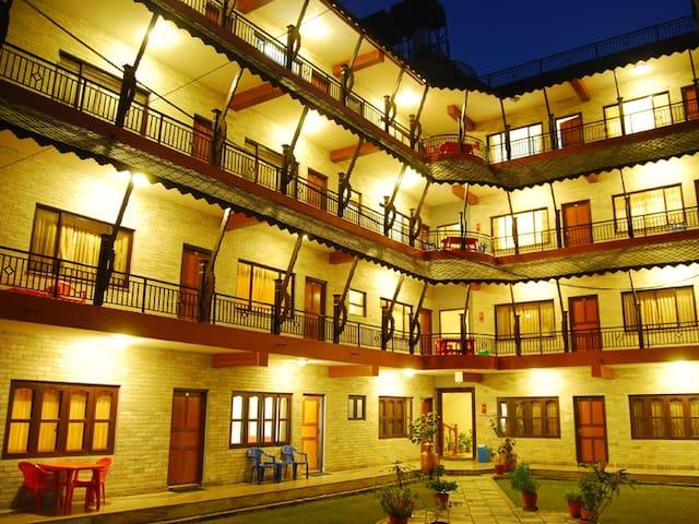 Butterfly Lodge - Pokhara - Bed & Breakfast