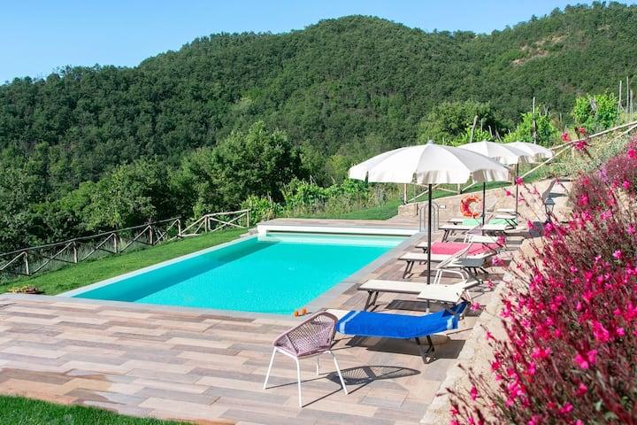 Snug Holiday Home in Castiglion Fiorentino in Chio Valley