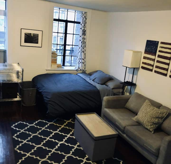Bright & Spacious Studio in Charming West Village