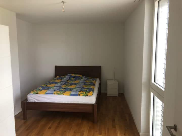 Chambre indépendante dans un appartement moderne