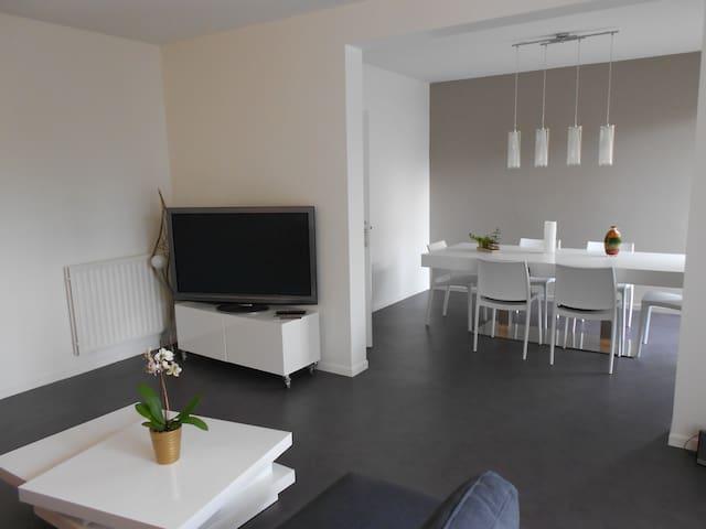 APPART 3 CH refait à neuf au calme - Pau - Lägenhet