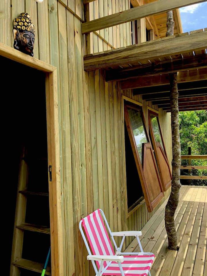 Praia Rosa centrinho cabana suite/mesanino/sacada