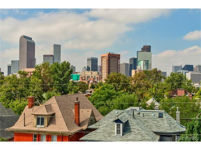 Brand new, rooftop view, steps to downtown!