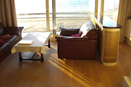 Spacious stylish apartment waterbed - Blankenberge