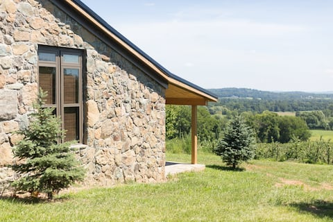 The Stone Cottage at Bluemont Vineyard